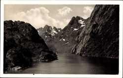 Postcard Lofoten Norwegen, Blick auf das Trollfjord, Gebirge, Gewässer