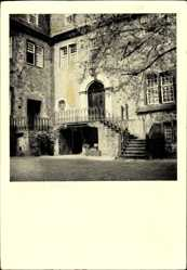 Postcard Crottorf Friesenhagen, Innenhof der Hauptburg des Schlosses