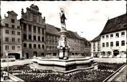 Postcard Landsberg am Lech in Oberbayern, Rathaus mit Marienbrunnen, Marktplatz