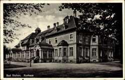 Postcard Bad Steben im Frankenwald Bayern, Straßenpartie mit Blick auf Kurhaus