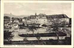 Postcard Offenburg, Blick auf das städtische Krankenhaus, Gartenanlage
