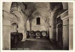 Postcard Hansestadt Bremen, Innenansicht vom Ratskeller, Fässer, Gewölbe