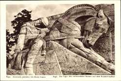 Postcard Riga Lettland, Die Figur des verwundeten Reiters auf dem Brüderfriedhof