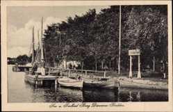 Ak Berg Dievenow Bodden Pommern, Hotel du Nord, Angler, Boote, Anlegestelle