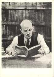 Künstler Ak H. H. Zhukov, Wladimir Iljitsch Lenin ein Buch lesend