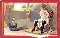 Litho Sitzende Frau in Unterwäsche, Schoßhund, Strümpfe, Busen