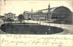 Postcard Hansestadt Bremen, Der Bahnhofsplatz mit Bahnhof