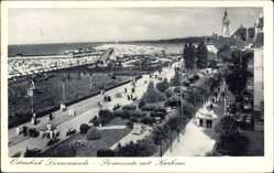 Ak Ostseebad Swinemünde Pommern, Promenade mit Kurhaus, Strand