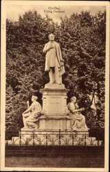 Postcard Gießen an der Lahn Hessen, Blick auf das Liebig Denkmal, Statuengruppe