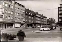 Foto Ak Oberhausen Osterfeld am Rhein, Straßenpartie, Geschäfte, Autos