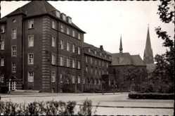 Foto Ak Osterfeld Oberhausen Rhein, Blick auf das Marienhospital, Glockenturm
