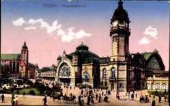 Postcard Köln am Rhein, Blick auf den Hauptbahnhof, Straßenseite, Passanten