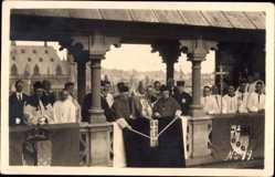 Foto Ak Aachen in Nordrhein Westfalen, Geistliche, Religiöse Zeremonie