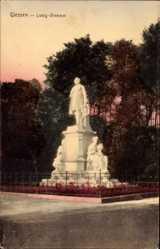 Postcard Gießen an der Lahn Hessen, Blick auf das Liebig Denkmal