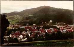 Postcard Suhl in Thüringen, Totalansicht der Ortschaft, Berg, Wald, Häuser