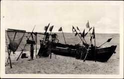 Postcard Prerow Darß, Ostseebad, Boot, Netze, Fischfang, Strand, Meer