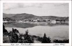 Foto Ak Fuenterrabia Baskenland, Blick über das Wasser auf den Ort