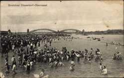 Postcard Oberkassel Düsseldorf, Strandbad, Flusspartie, Brücke, Besucher