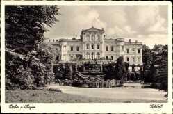 Postcard Putbus Rügen, Das fürstliche Schloss, Schlosspark