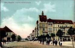 Postcard Neuruppin in Brandenburg, Friedrich Wilhelmstraße, Gebäude, Passanten