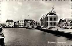 Postcard Harlingen Friesland, Statenjacht, Anlegestelle, Gebäude, Parkplatz