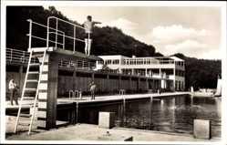 Postcard Wiesbaden in Hessen, Das Opelbad auf dem Neroberg, Sprungturm