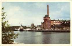 Postcard Hallstavik Schweden, Holmens Bruk, Industrieanlage, Dampfschiff