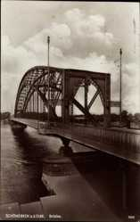 Postcard Schönebeck an der Elbe im Salzlandkreis, Blick auf die Brücke, Fluss