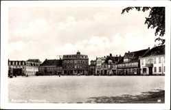 Postcard Rendsburg in Schleswig Holstein, Blick auf den Paradeplatz, Häuser