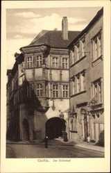 Postcard Görlitz, Partie am Schönhof, Erker, Gasthof, Arkaden, Straßenpartie