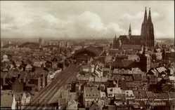 Postcard Köln am Rhein, Stadtpanorama, Dom, Glockentürme, Straßenpartie