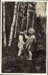 Postcard Dalarne Dalarna Schweden, Zwei Kinder in Trachten, Liebespaar