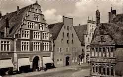 Postcard Lemgo in Nordrhein Westfalen, Mittelstraße vom Markt aus, Rathaus Erker