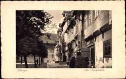 Postcard Lemgo in Nordrhein Westfalen, Partie am Kirchplatz, Kind an Tür