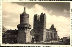 Foto Ak Prenzlau in der Uckermark, Blick auf die Kirche, alter Stadtturm
