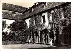 Postcard Landau in der Pfalz, Blick in den Augustiner Kreuzgang, Hof, Fenster