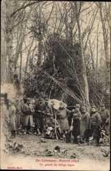 Postcard En Lorraine, Guerre 1914, Un gourbi du village nègre, Poilus