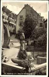 Postcard Meersburg im Bodenseekreis Baden Württemberg, Staig mit Bärenbrunnen