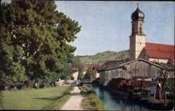 Ak Oberammergau in Oberbayern, Am Mühlbach, Kirchturm, Novitas 1151