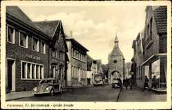 Postcard Fürstenau in Niedersachsen, Blick in die Große Straße mit Tor