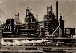 Postcard Oberhausen am Rhein, Blick auf das Hüttenwerk, Güterzug, Industrieanlage