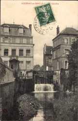 Postcard Gournay en Bray Seine Martitime, Flusspartie, Wehr, Häuser