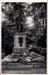 Postcard Lübben im Spreewald, Blick auf das Jägerdenkmal, Blumenbeete
