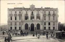 Postcard Constantine Algerien, La Poste, Fuhrwerk, Passanten, Postamt