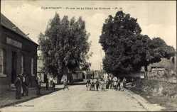 Postcard Flaucourt Somme, Place de la Croix de Mission, Kinder auf der Straße