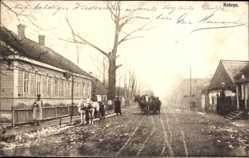 Postcard Kobryn Weißrussland, Straßenpartie imOrt, Pferdekutschen, Anwohner
