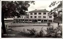 Postcard Kinna Schweden, Järnvägsparken, Parkanlagen, Geschäfte