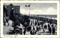Postcard Westerland auf Sylt, Promenade, Strand, Fahne, Passanten, Meer