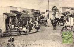Postcard Tunis Tunesien, La Rue de Sidi el Béchir, Straßenpartie, Einheimische