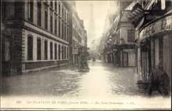 Postcard Paris Frankreich, Les Inondations, Rue Saint Dommique, 1910